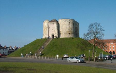 Cliffords Tower Image