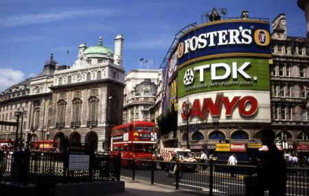 Piccadilly Circus Image