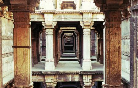 Dada Hari Ni Vav Image