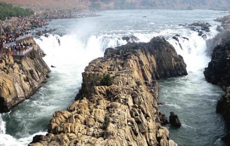 Dhuandhar Falls Image