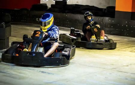 Hot Wheels Raceway Image