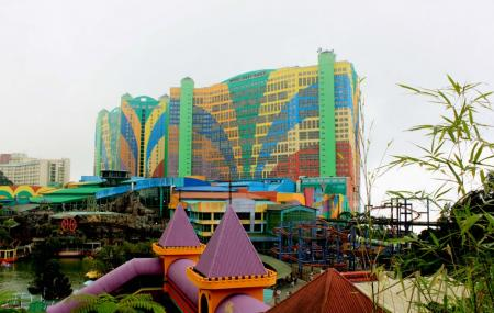 First World Plaza And Indoor Theme Park Image
