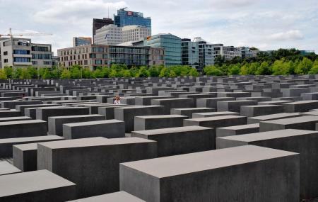 Holocaust Memorial Image