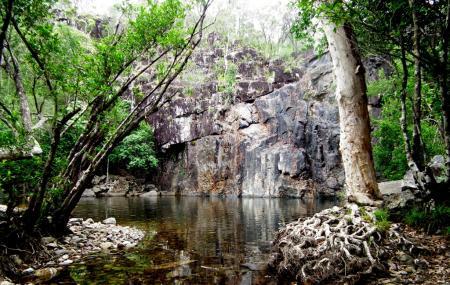 Cedar Creek Falls Image