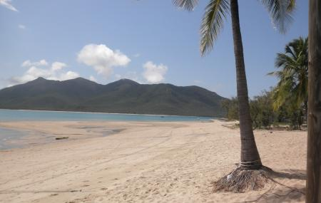 Dingo Beach And Hideaway Bay Image