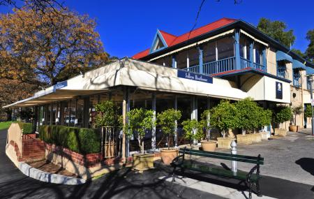 Jolleys Boathouse Restaurant Image