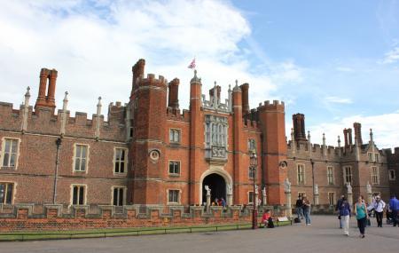 Hampton Court Palace Image