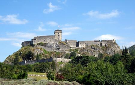 Chateau-fort De Lourdes And The Museepyreneen Image