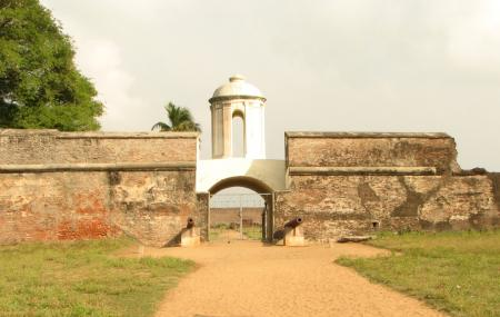 Dutch Fort Image