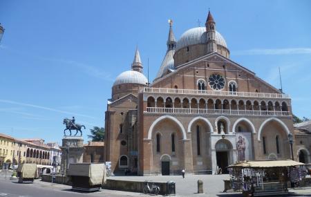The Square Or Piazza Del Santo Image