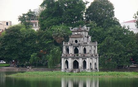 Hoan Kiem Lake Image