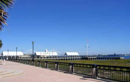 Charleston Waterfront Park, Charleston