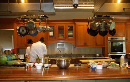 Charleston Cooks - Maverick Kitchen Store Image