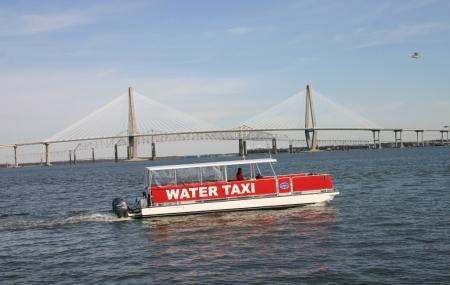 Charleston Water Taxi Image