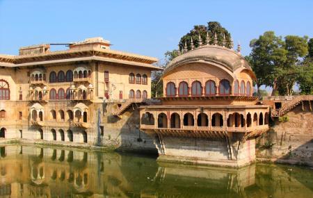 Deeg Palace Image
