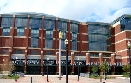 The Veterans Memorial Wall Image