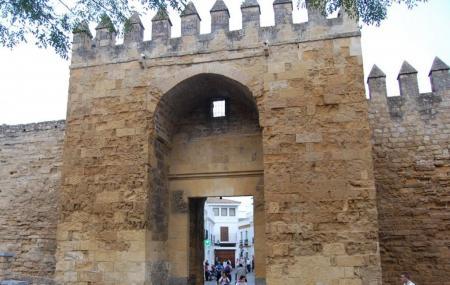 Puerta De Almodvar Image