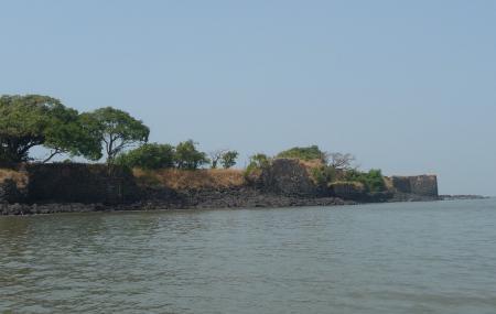 Undheri Fort Image