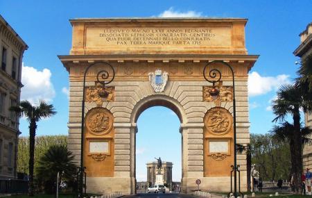 Porte Du Peyrou Image