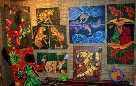 Coco Loco Art Studio And Gallery Image