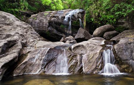 Lakkam Waterfalls Image