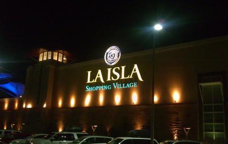 La Isla Shopping Village Image