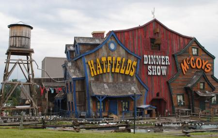 Hatfield And Mccoy Dinner Show Image