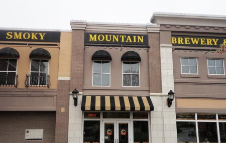 Smoky Mountain Brewery Image