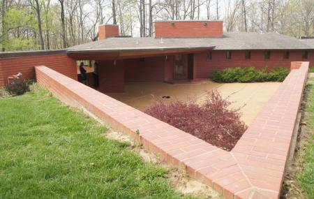 Frank Lloyd Wright House In Ebsworth Park Image