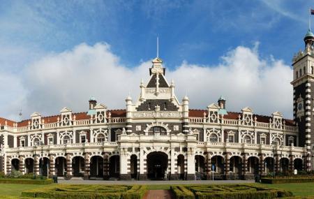 Dunedin Railway Station Image