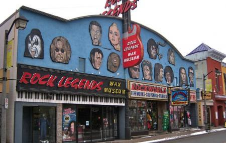 Rock Legends Wax Museum Image