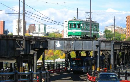 High Level Bridge Streetcar Image