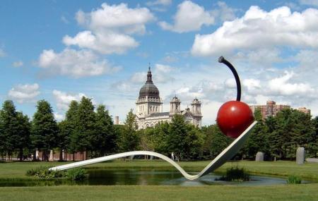 Minneapolis Sculpture Garden Image