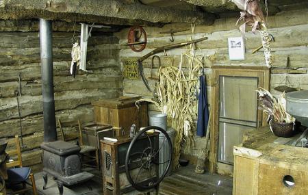 Log Cabin Village Image