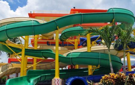 Splash Zone Water Park Image