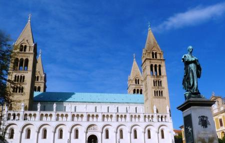 Pecs Cathedral Image
