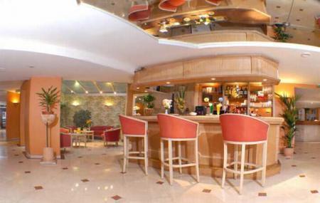 Eiffel Bar Image