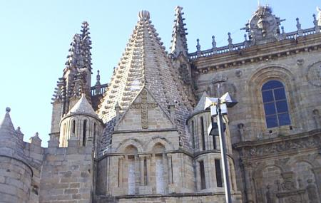 Cathedral Vieja And Catedral Neuva Image