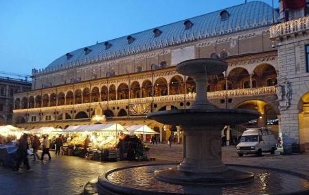Palace Of Law Or Palazzo Della Ragione Image