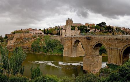 Puente De San Martin Image