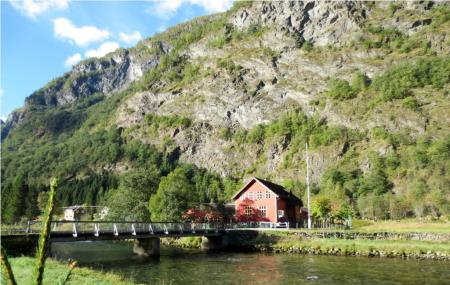 Flam Hiking As Image
