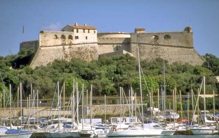 Fort Carre Image