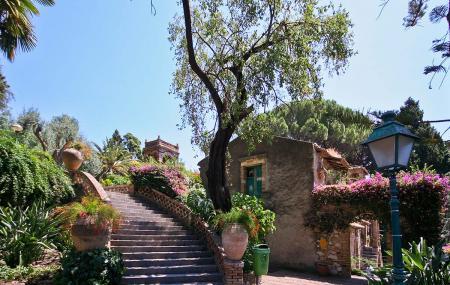 Garden Of Villa Comunale Image
