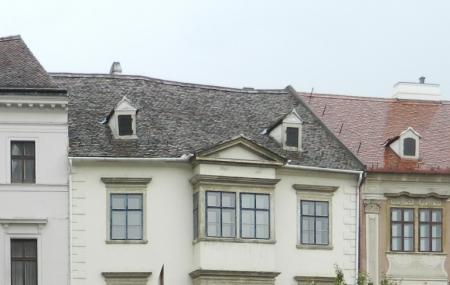 Fabricius House Image