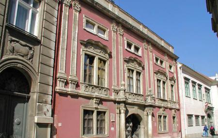 Bezeredj Palace Image