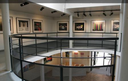 La Maison De La Photographie Image