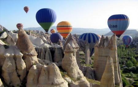 Hot Air Ballooning In Pamukkale Image