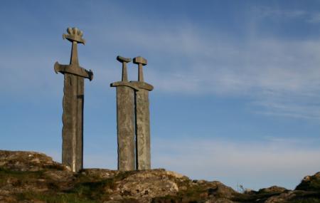 Swords In Rock Image