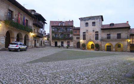 Plaza Mayor De Ramon Y Pelayo Image