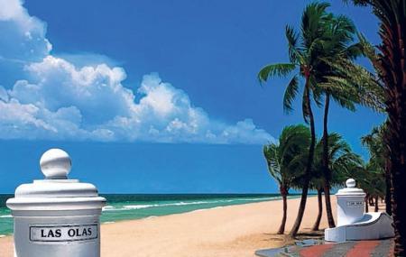 Las Olas Beach Image